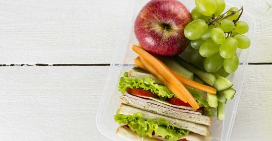 Teeth-Friendly Snacks for Your Child's School Lunch